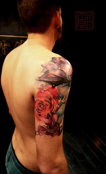 Tatuaggio Spalla Realistici Rose di Tattoo Temple
