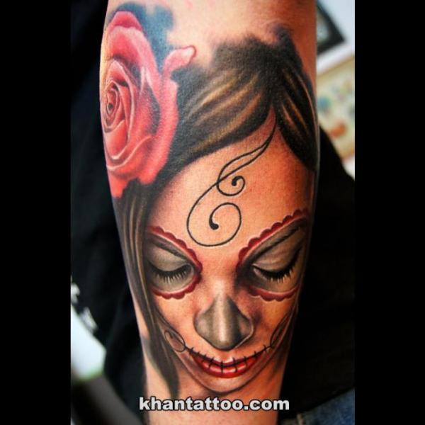 Arm Frauen Tattoo von Khan Tattoo
