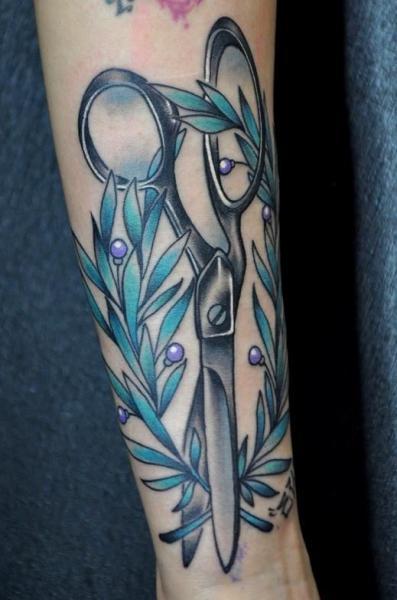 Arm Scheren Tattoo von Detroit Diesel Tattoo