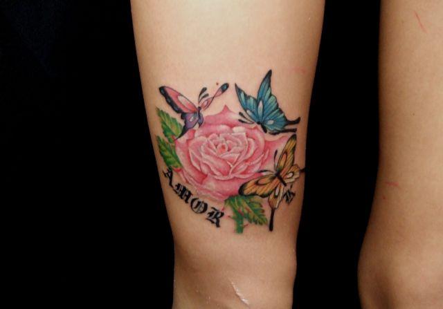 Arm Blumen Tattoo von Fact Tattoo