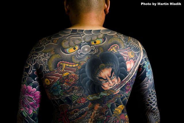 Tatuaje Japoneses Espalda Samurai por Horiyasu Tattoo