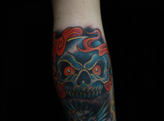 Old School Totenkopf Tattoo von Inkrat Tattoo