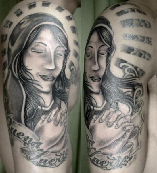 Tatuaje Hombro Religioso por Koji Tattoo