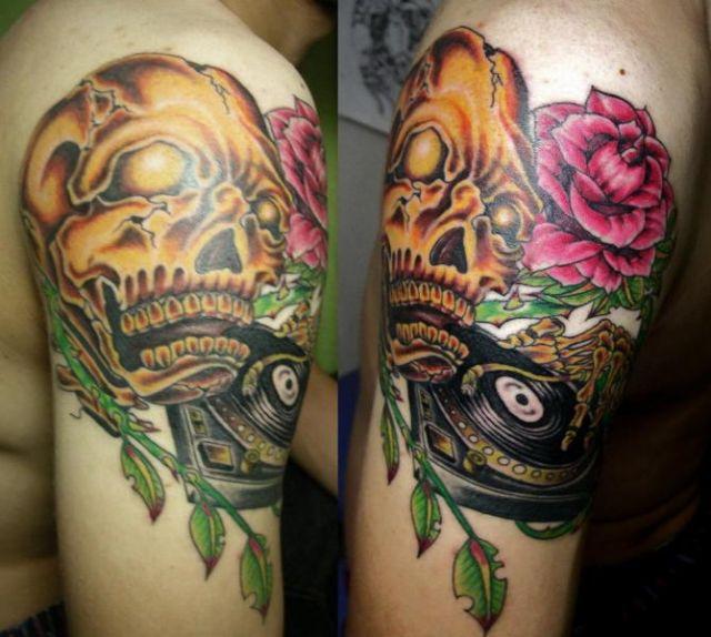Shoulder Flower Skull Tattoo by Koji Tattoo
