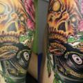 tatuaje Hombro Flor Cráneo por Koji Tattoo