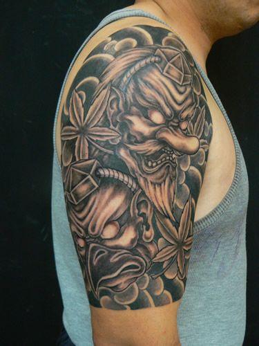 Tatuaggio Spalla Mostri di M Crow Tattoo