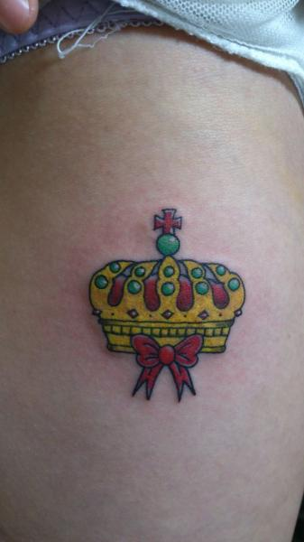 Crown Thigh Tattoo by Shimokita Ink