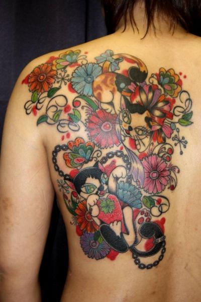 Tatuaje Fantasy Espalda Gato por South Dragon Tattoo