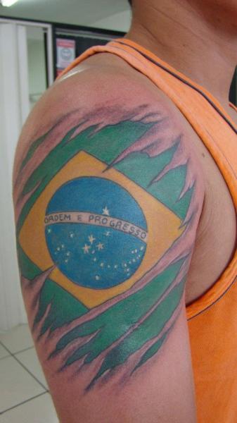 Shoulder Flag Brasil Tattoo by Brasil Tatuagem