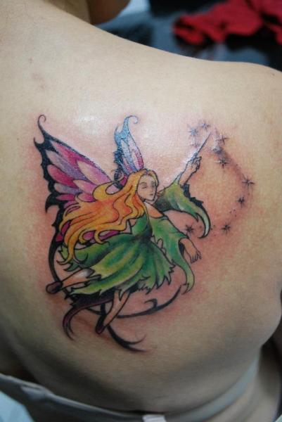 Schulter Fee Tattoo von Hell Tattoo