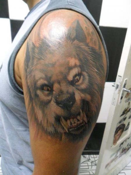 Shoulder Realistic Wolf Tattoo by Hell Tattoo