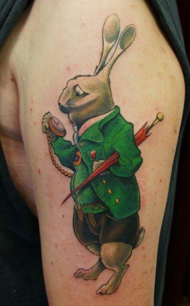 Schulter Charakter Hase Tattoo von Art n Style