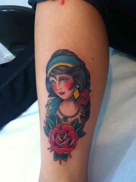 Arm Old School Kopf Tattoo von Leds Tattoo
