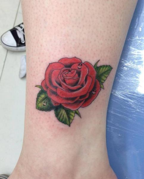 Arm Realistic Flower Tattoo by Leds Tattoo