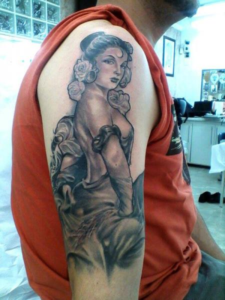 Arm Realistic Women Tattoo by Leds Tattoo