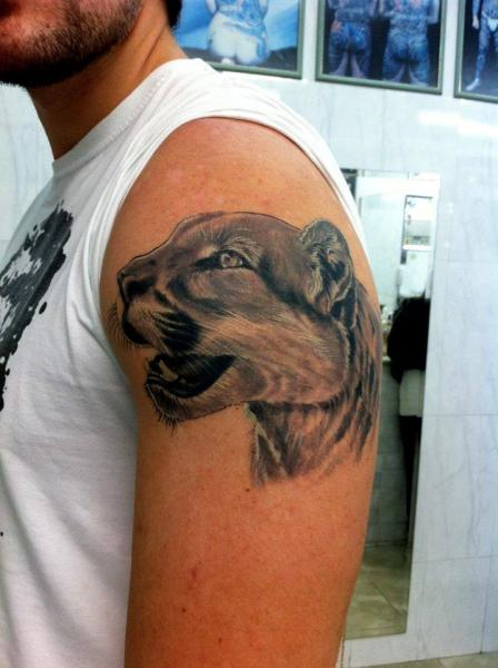 Shoulder Realistic Tiger Tattoo by Leds Tattoo