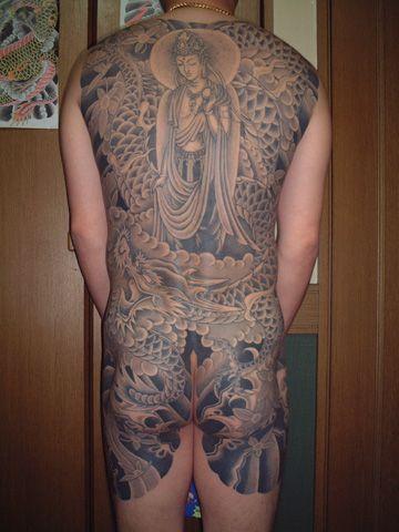 Japanische Buddha Rücken Po Tattoo von Tattoo Studio Shangri-La
