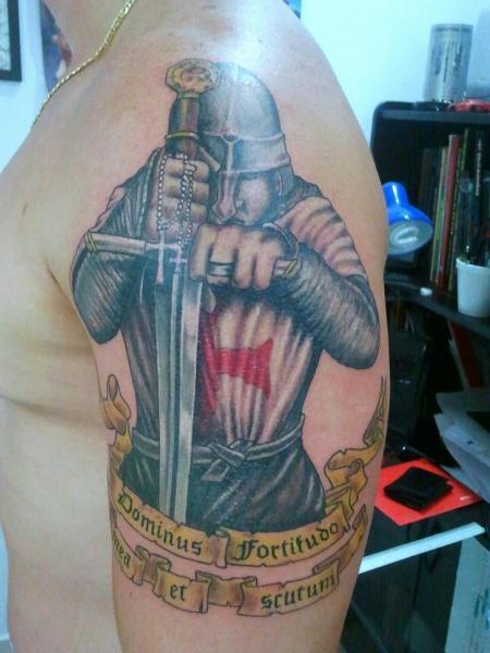 Tatuaggio Spalla Realistici Guerriero di Tattoo Br