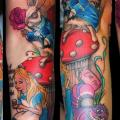 tatuaje Brazo Fantasy Alice Wonderland por Medusa Tattoo