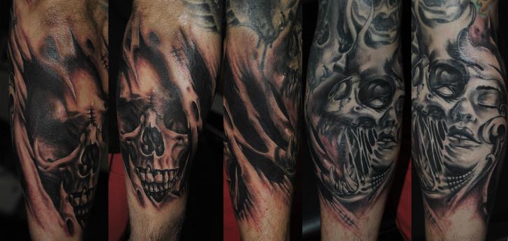 Fantasie Totenkopf Tattoo von Medusa Tattoo