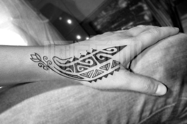 Tatuaje Mano Tribal Por Prive Tattoo