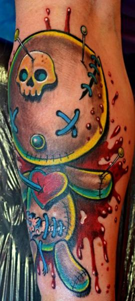 Arm Fantasie Marionette Tattoo von Upstream Tattoo