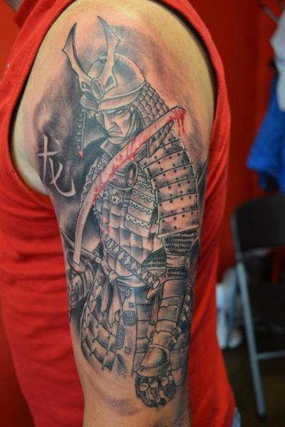 Schulter Samurai Tattoo von Upstream Tattoo