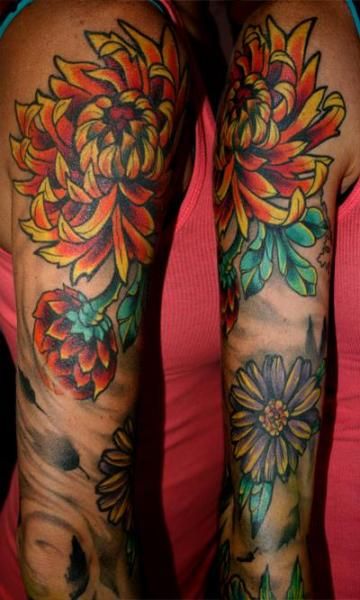 Arm Realistische Blumen Tattoo von Ace Of Sword Tattoo