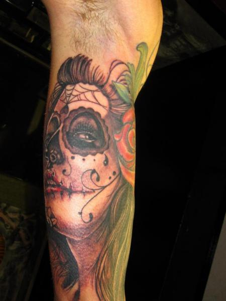 Arm Mexikanischer Totenkopf Tattoo von Shogun Tats
