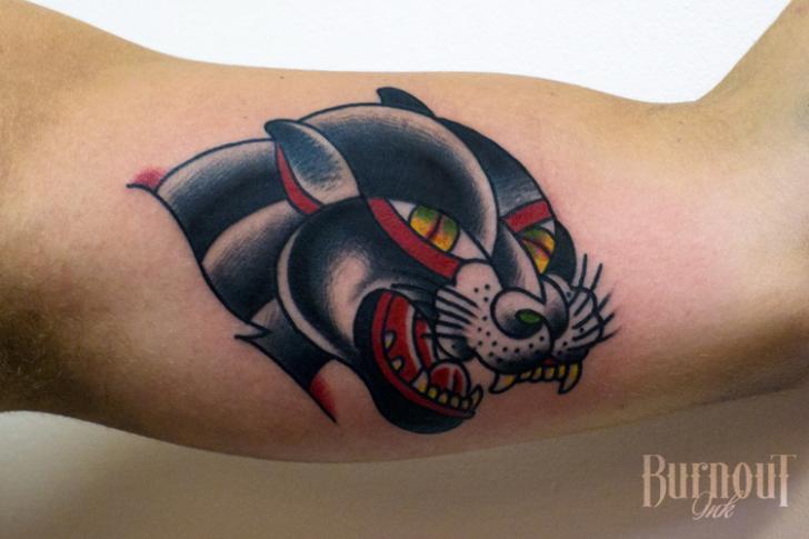 Arm Old School Panther Tattoo von Burnout Ink