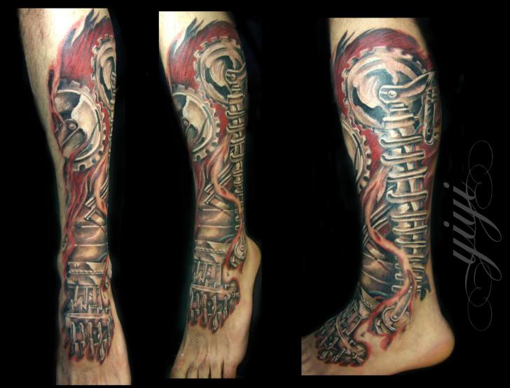 Biomechanisch Bein Tattoo von Inkfierno Tattoo
