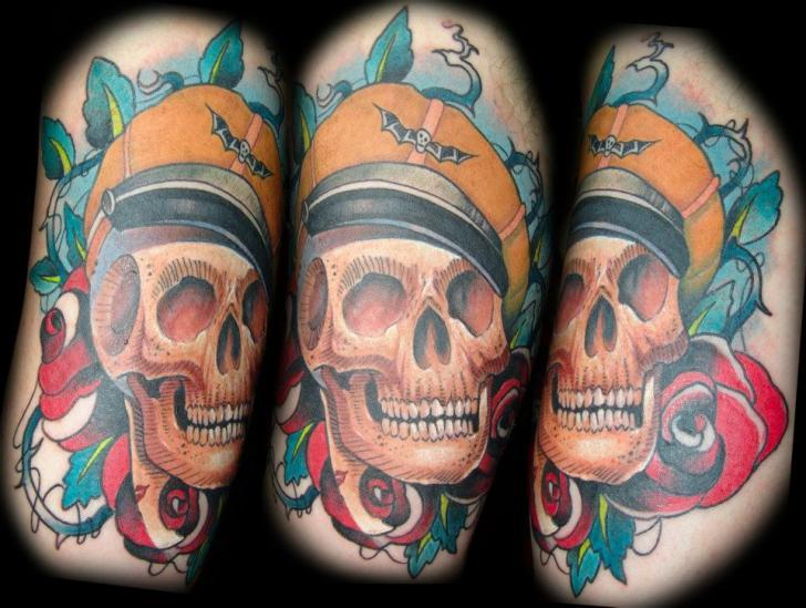 Tatuaggio Braccio Teschio di Punko Tattoo