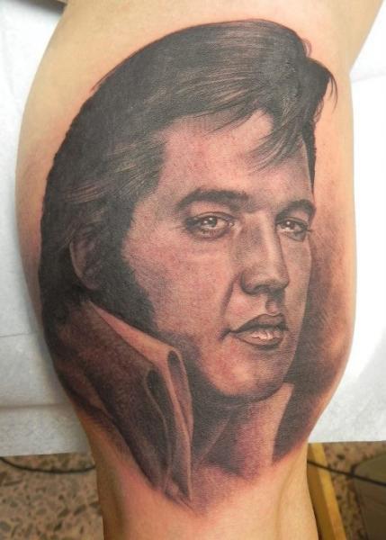 Realistic Elvis Thigh Tattoo by Xavi Tattoo