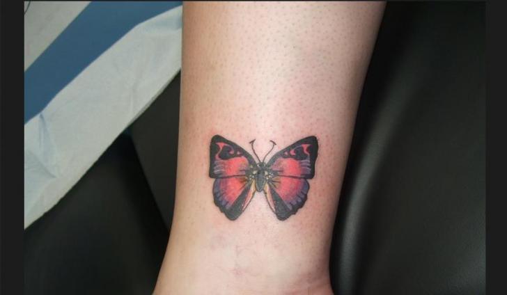 Arm Schmetterling Tattoo von Sonic Tattoo