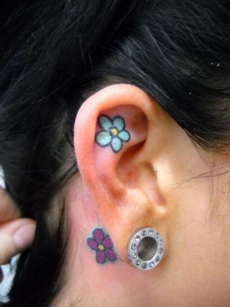 Tatouage Fleur Oreille Par Sonic Tattoo