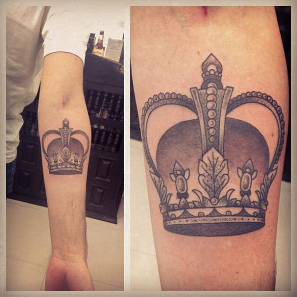 Dotwork Crown Tattoo by Gregorio Marangoni