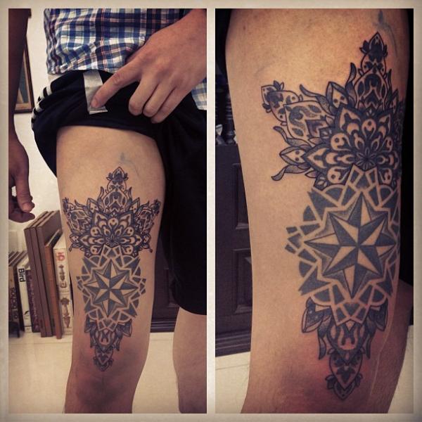 Dotwork Oberschenkel Tattoo von Gregorio Marangoni