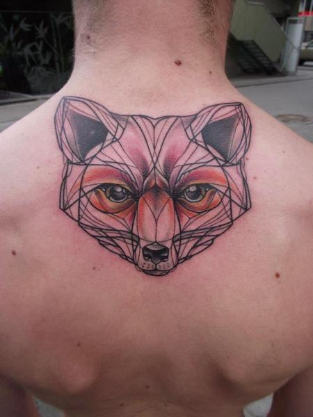 Rücken Bären Tattoo von Tartu Tatoo
