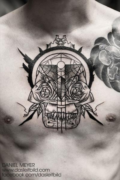 Brust Totenkopf Dotwork Tattoo von Leitbild