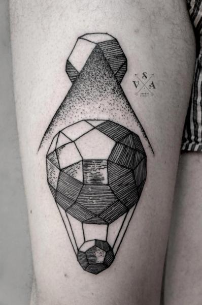 Tatuaggio Dotwork Palloncino Coscia di Master Tattoo
