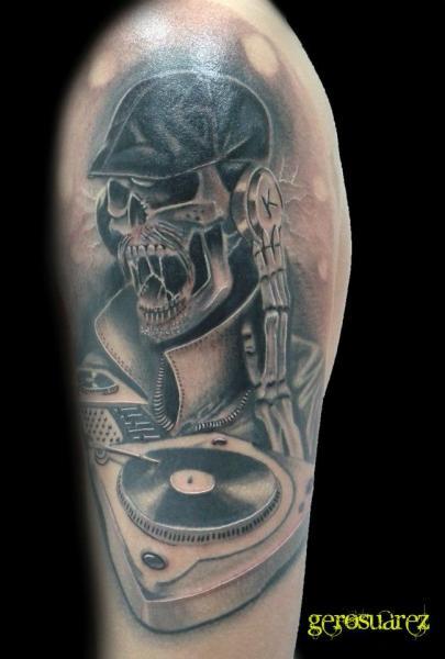 Schulter Skeleton Tattoo von Seven Arts