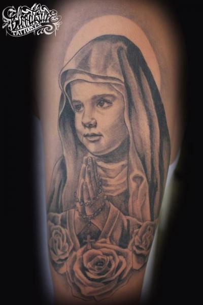 Gebetshände Kinder Tattoo Von Blood Line Tattoos
