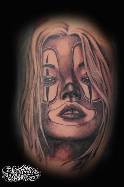 Tatuaggio Pagliaccio Donne di Blood Line Tattoos