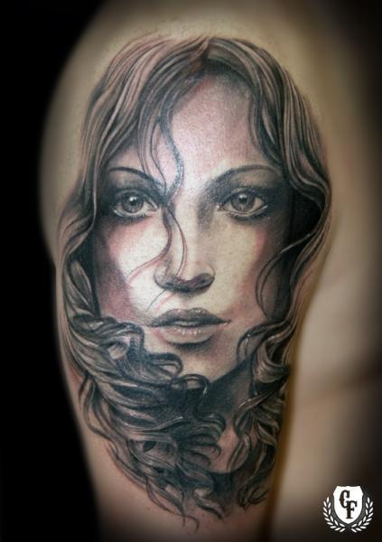 Tatuaggio Spalla Realistici Donne di Cosa Fina Tattoo