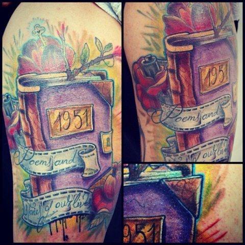 Schulter Fantasie Buch Tattoo von Customiz Arte