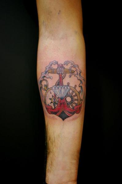 Tatuaje Brazo Ancla Diamante por Sputnink Tattoo