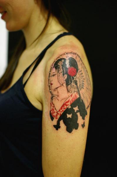Shoulder Japanese Geisha Tattoo by Sputnink Tattoo