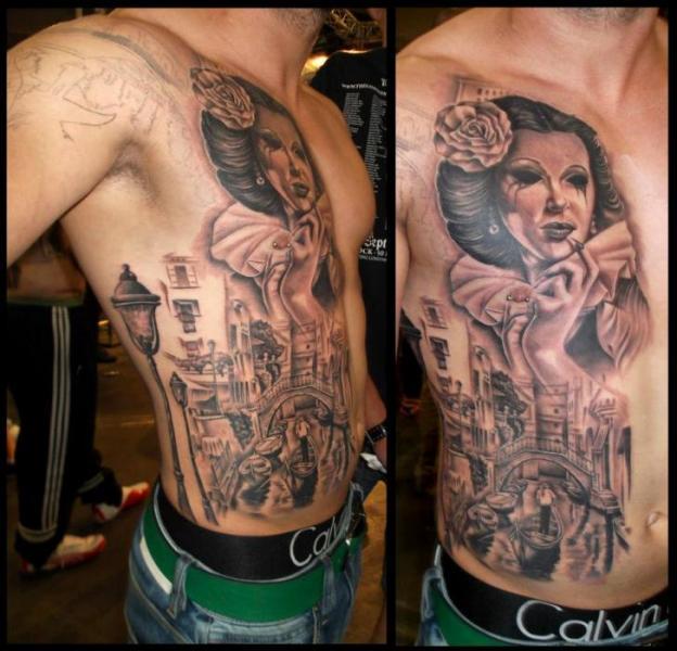 Tatuaggio Realistici Petto Fianco Donne Paesaggio di Astin Tattoo