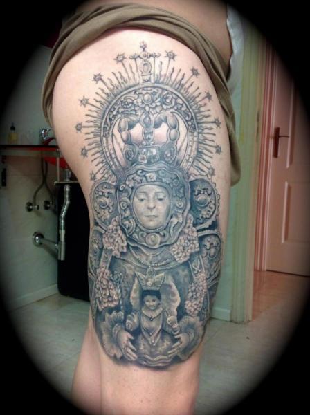 Religiös Oberschenkel Tattoo von Silver Needle Tattoo