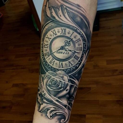 Tatuaje Brazo Reloj Flor por Art Line Tattoo